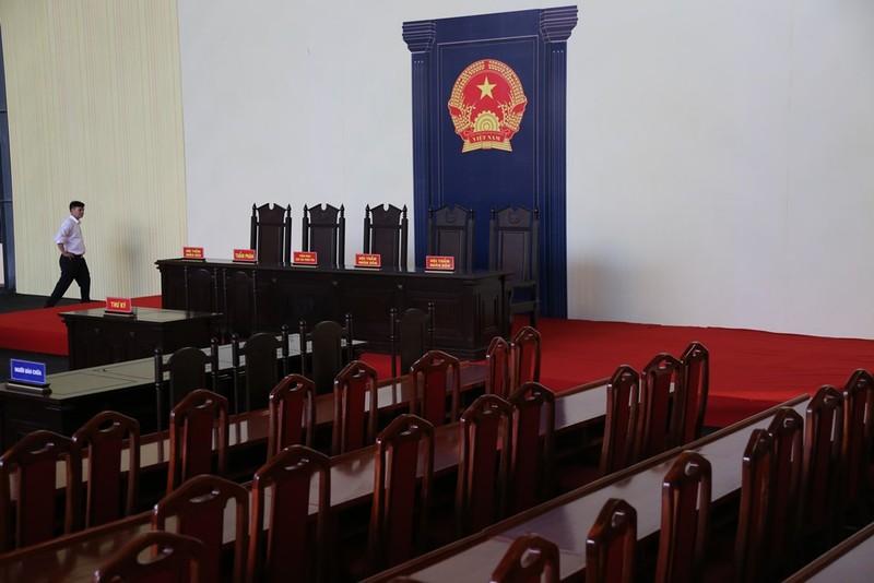 Phiên xử cựu tướng Phan Văn Vĩnh sẽ chuẩn bị cả xe cứu thương