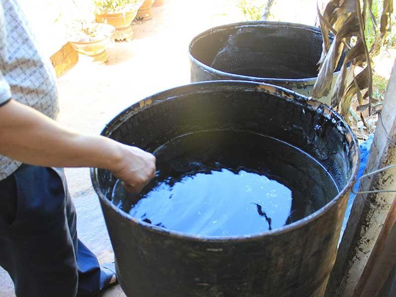 Hãi hùng người dân phải uống nước nhiễm dầu mỗi ngày  - ảnh 1