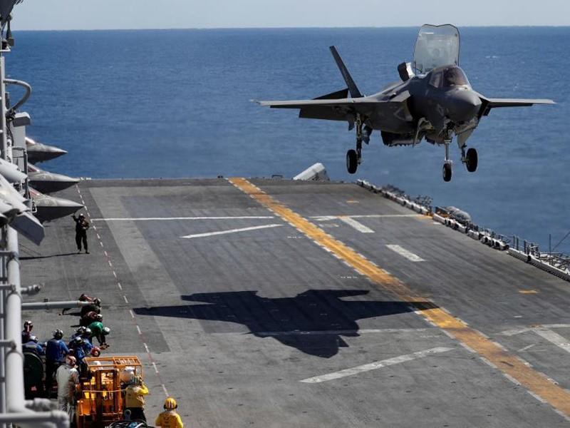 Nhật mua F-35 để xoa dịu Mỹ về thương mại - ảnh 1