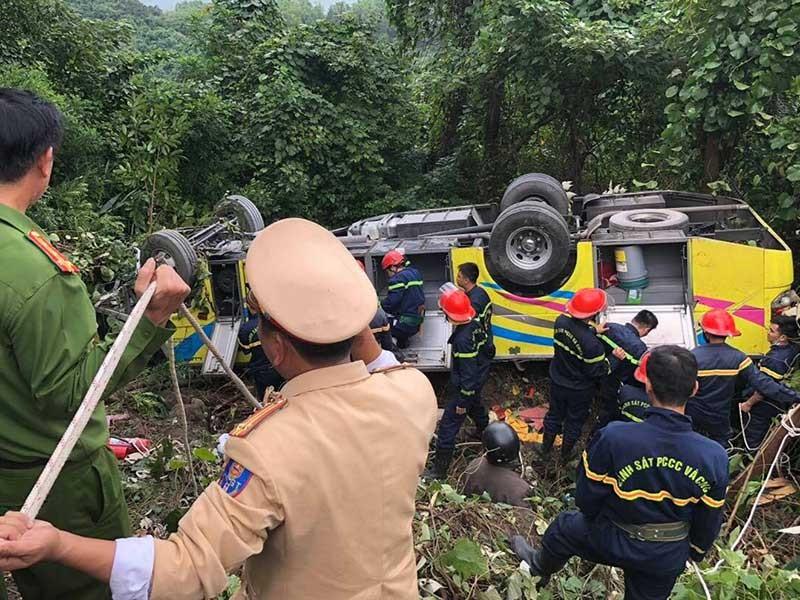 Nguyên nhân ban đầu xe chở sinh viên rơi ở đèo Hải Vân - ảnh 2