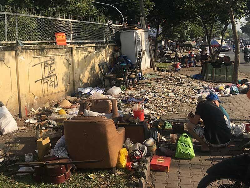 Cuối năm dọn nhà, biết vứt rác 'khủng' ở đâu? - ảnh 1