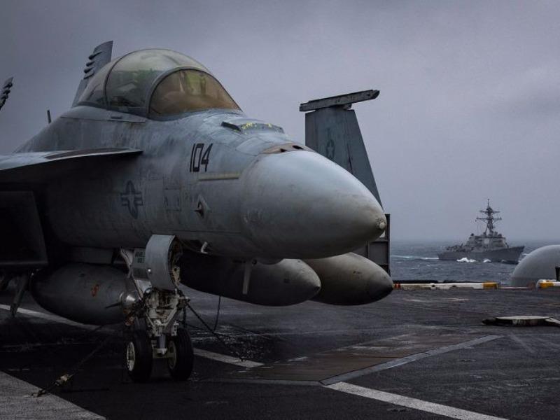 USS Carl Vinson tập chống tàu ngầm trên biển Đông - ảnh 1