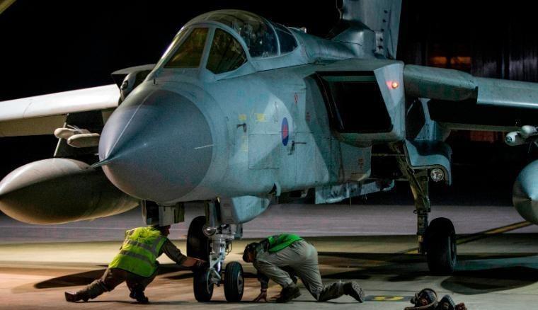 Anh-Pháp-Mỹ dùng những vũ khí nào không kích Syria? - ảnh 1