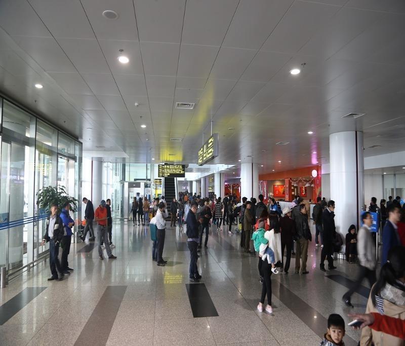 Sân bay Nội Bài cảnh báo giả danh nhân viên sân bay lừa đảo - ảnh 1
