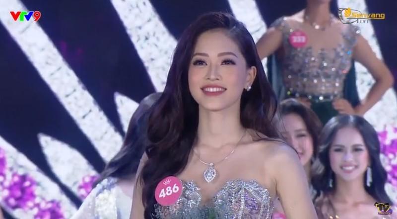 Cô gái Quảng Nam Trần Tiểu Vy đăng quang hoa hậu Việt Nam 2018 - ảnh 3