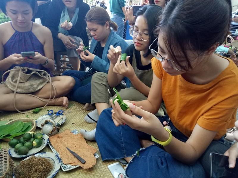Trầu têm cánh phượng – món quà quê cho người Sài Gòn - ảnh 2