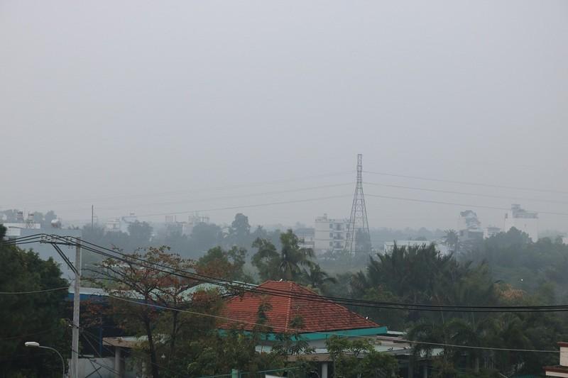 'Mù khô' tiếp tục bủa vây người Sài Gòn ngày cuối tuần - ảnh 4