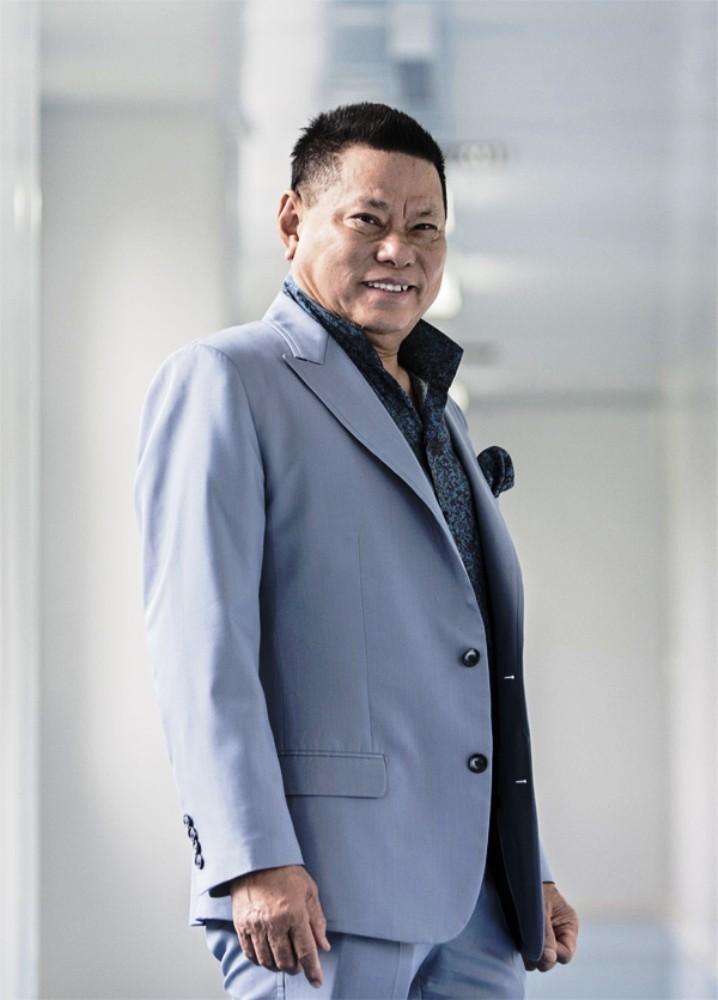 Tỷ phú Hoàng Kiều tuyên bố khởi kiện bản quyền âm nhạc - ảnh 1