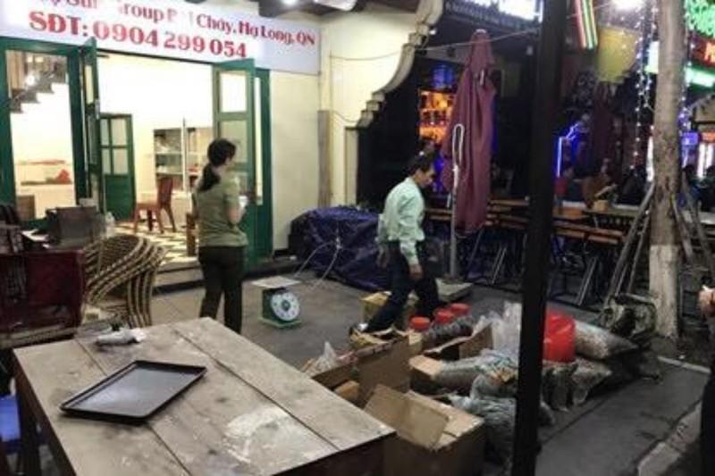 Giải cứu 2 du khách bị 'chặt chém' ở Hạ Long  - ảnh 1