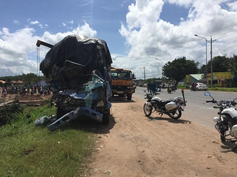 Tai nạn kinh hoàng ở Bình Dương, 3 người tử nạn  - ảnh 1