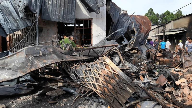 Sẽ khởi tố vụ lật xe bồn gây cháy làm 6 người tử vong - ảnh 1
