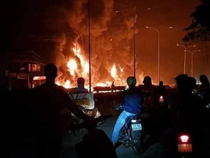 Khởi tố vụ lật xe bồn gây cháy làm 6 người chết ở Bình Phước - ảnh 1