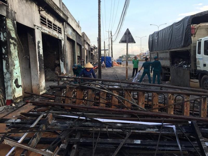 Khởi tố vụ lật xe bồn gây cháy làm 6 người chết ở Bình Phước - ảnh 2