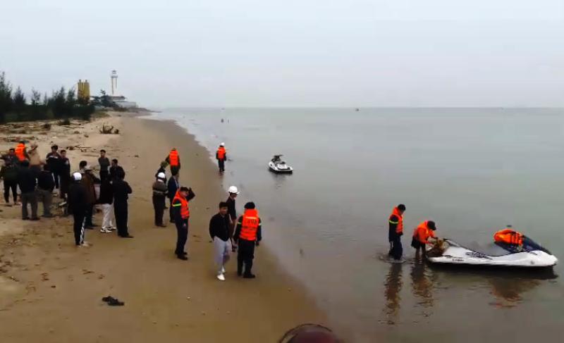 Nam sinh lớp 6 đuối nước thương tâm khi lội bắt cáy ở biển - ảnh 1