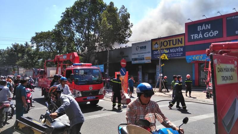 Cháy dữ dội cửa hàng xe máy ở TP.Mỹ Tho - ảnh 4