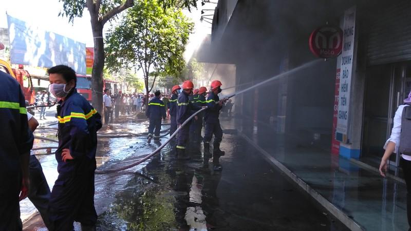Cháy dữ dội cửa hàng xe máy ở TP.Mỹ Tho - ảnh 3