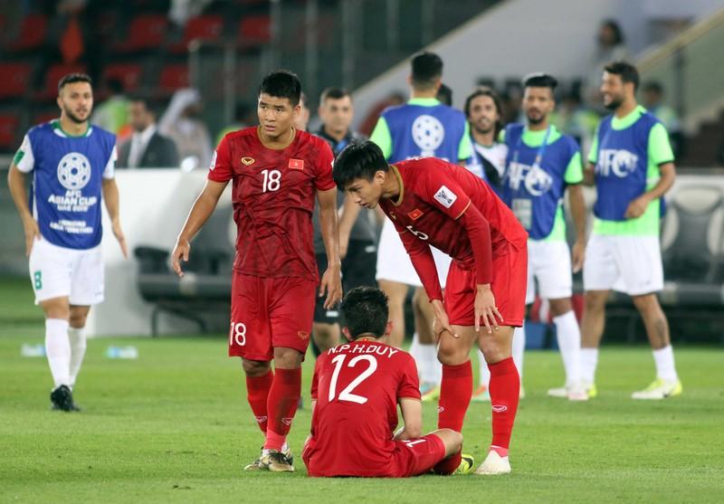 Lỗi của thủ môn Văn Lâm và cái thua ngược trong đau đớn! - ảnh 4