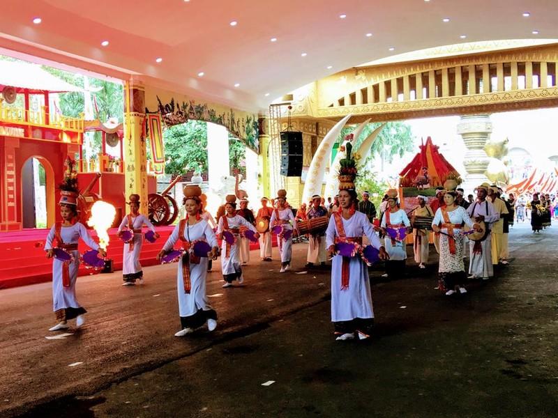 54 dân tộc anh em dâng lễ vật ngày Quốc giỗ - ảnh 10
