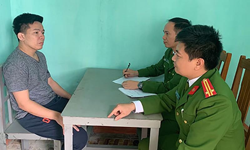 Nhóm tín dụng đen lớn nhất Việt Nam bắt heo, dê của con nợ - ảnh 1
