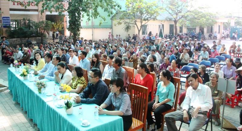 VWS trao 200 phần quà Tết đến người dân Bình Chánh - ảnh 2