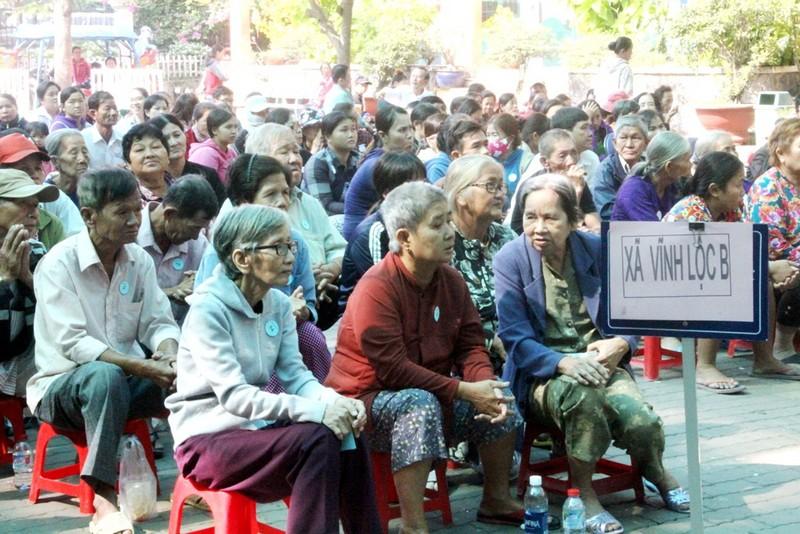 VWS trao 200 phần quà Tết đến người dân Bình Chánh - ảnh 3