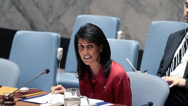 Đại sứ Mỹ tại LHQ Nikki Haley phát biểu tại phiên họp khẩn của HĐBA LHQ ngày 7-4. Ảnh: GETTY IMAGES