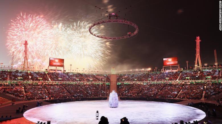 Pháo hoa tại lễ khai mạc Thế Vận Hội Mùa Đông 2018 ở Pyeongchang (Hàn Quốc) tối 9-2. Ảnh: CNN