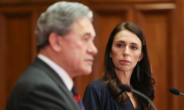 Nữ Thủ tướng New Zealand Jacinda Ardern và Ngoại trưởng New Zealand Winston Peters. Ảnh: GETTY IMAGES