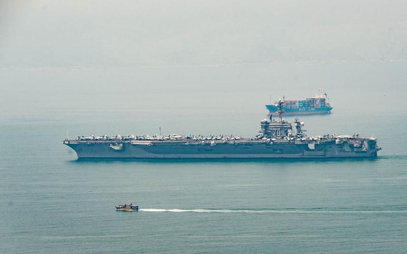 Tàu sân bay USS Carl Vinson đã neo tại vịnh Đà Nẵng - ảnh 3