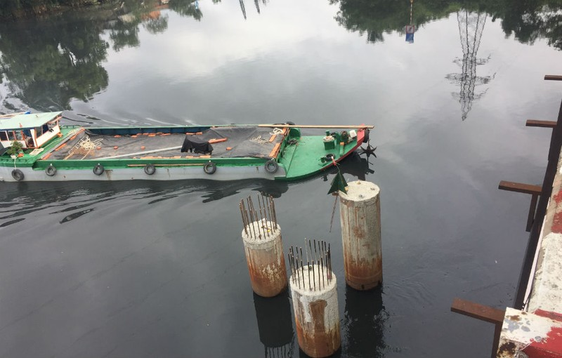 Nguy cơ nhiều cầu cũ, yếu bị tàu va là sập  - ảnh 4