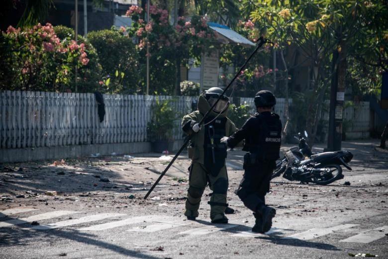 Indonesia: Đánh bom liên hoàn ở 3 nhà thờ, 5 người thiệt mạng - ảnh 1