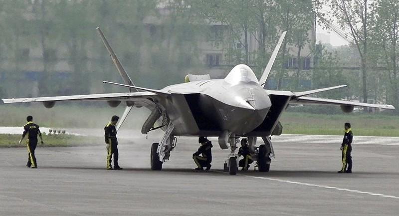 Thực hư vụ tiêm kích J-20 Trung Quốc xuất hiện ở căn cứ Mỹ - ảnh 1