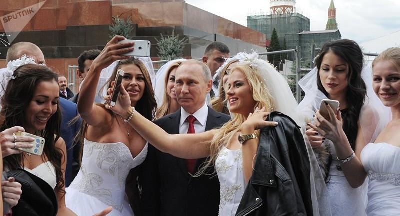 Tổng thống Putin nói sẽ kết hôn vào một ngày nào đó - ảnh 1