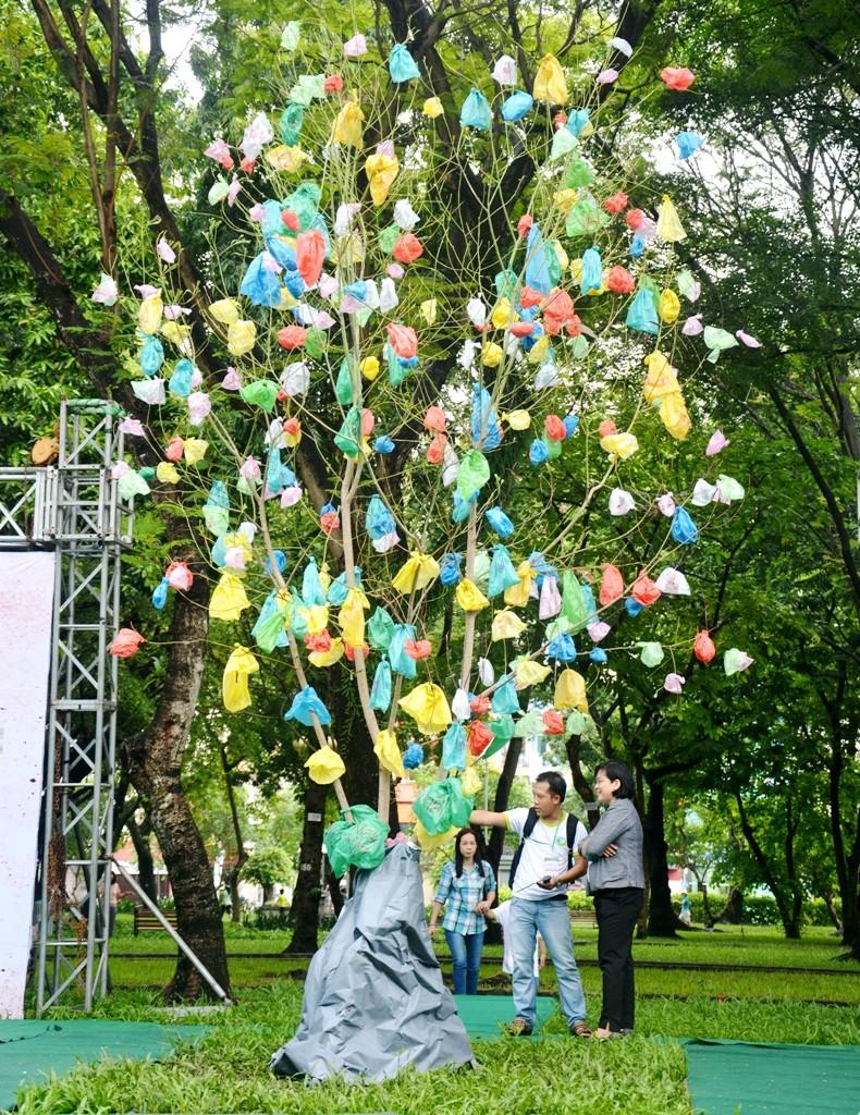 Nghĩ đến môi trường từ chất thải nhựa - ảnh 1