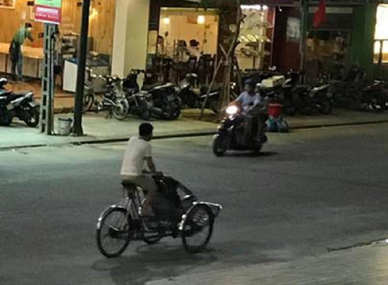 'Chặt chém' du khách, người đạp xích lô bị phạt 1 triệu đồng - ảnh 1