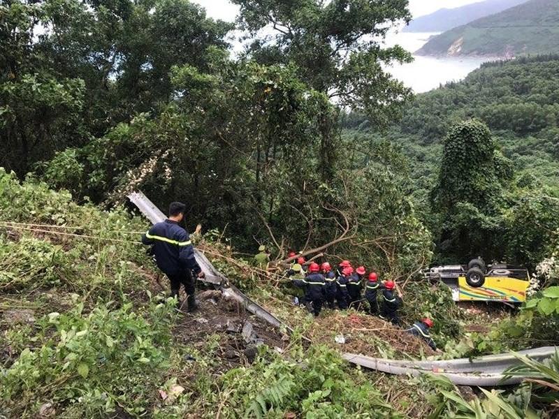 Khởi tố lái xe chở 21 sinh viên rơi ở đèo Hải Vân - ảnh 1