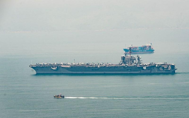 Cận cảnh 'hàng khủng' trên tàu sân bay Mỹ ở Đà Nẵng  - ảnh 11