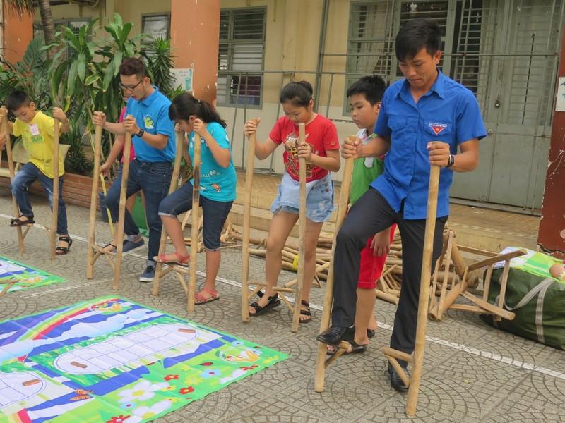 Trò tiểu học thích thú với ngày hội trò chơi dân gian - ảnh 17