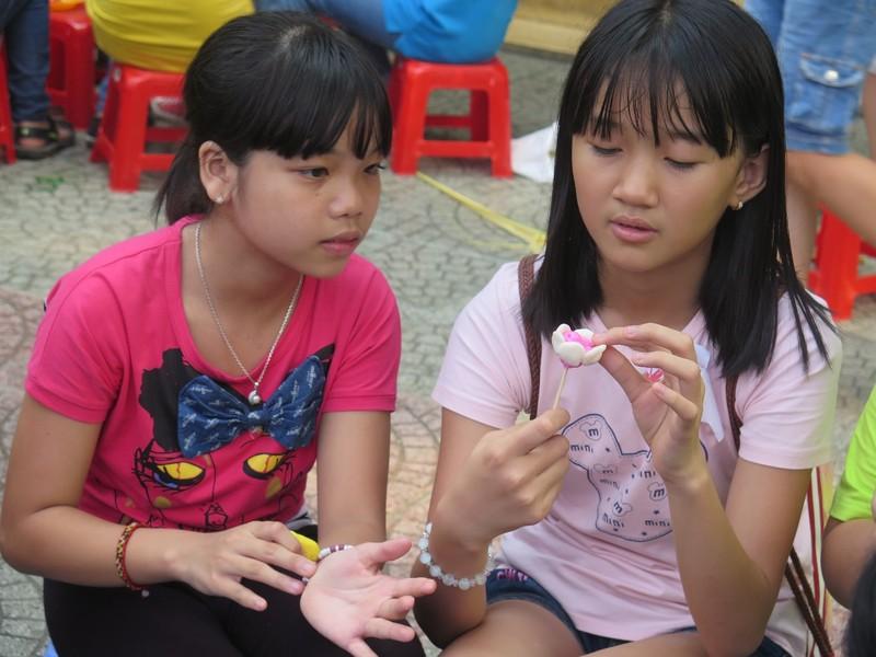 Trò tiểu học thích thú với ngày hội trò chơi dân gian - ảnh 6