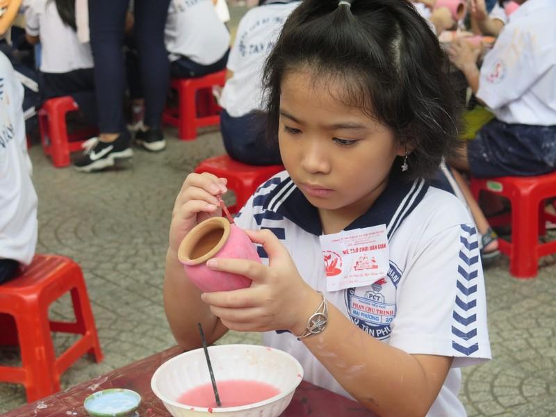 Trò tiểu học thích thú với ngày hội trò chơi dân gian - ảnh 16
