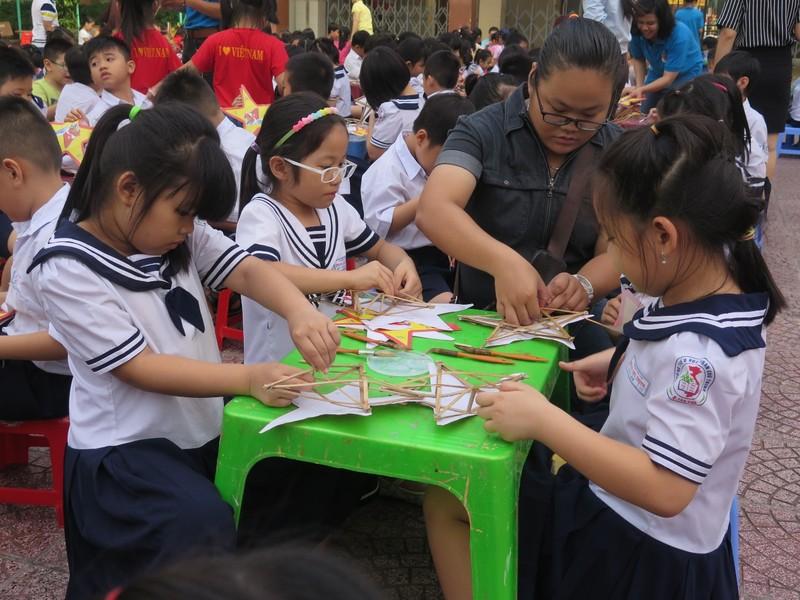 Trò tiểu học thích thú với ngày hội trò chơi dân gian - ảnh 9