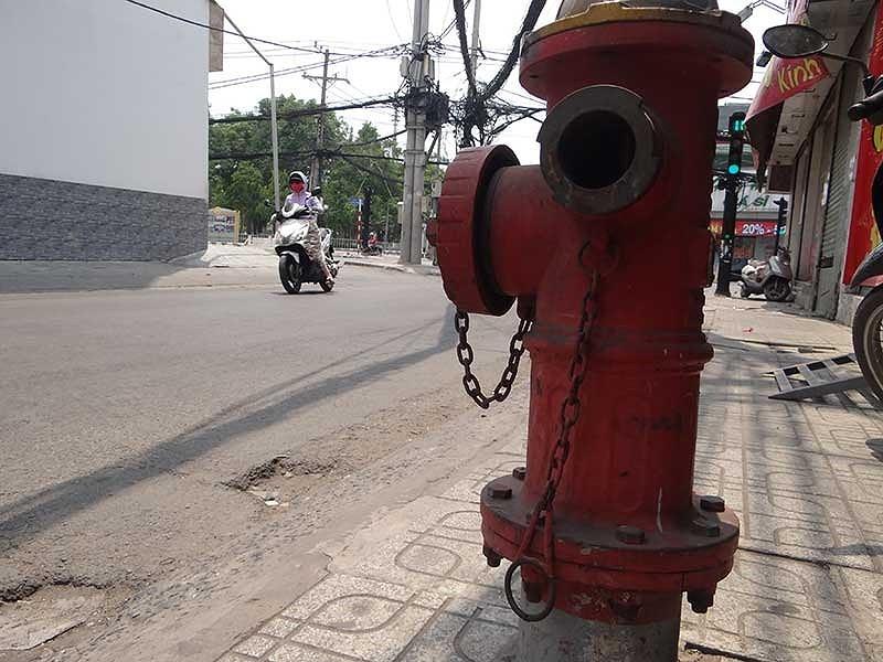 TP.HCM: Nguồn nước phục vụ cứu hỏa thiếu trầm trọng - ảnh 2