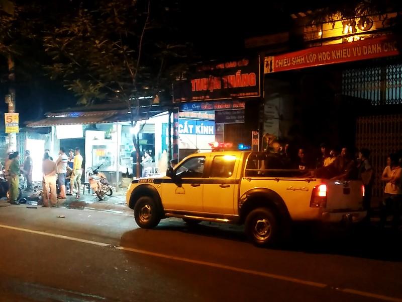 Thanh niên bị đánh gục trong quán hủ tiếu ở Bình Tân - ảnh 2