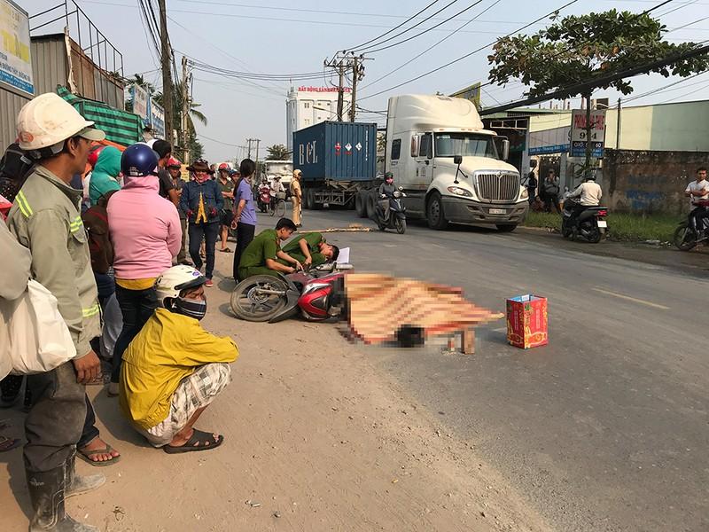 Container lại cán chết người trên đường Nguyễn Duy Trinh - ảnh 2