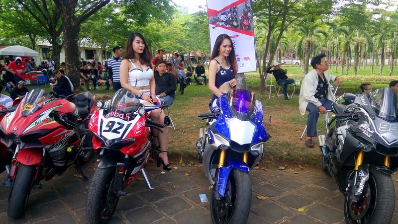 Bóng hồng làm 'nóng' đại hội mô tô lớn nhất Việt Nam - ảnh 4