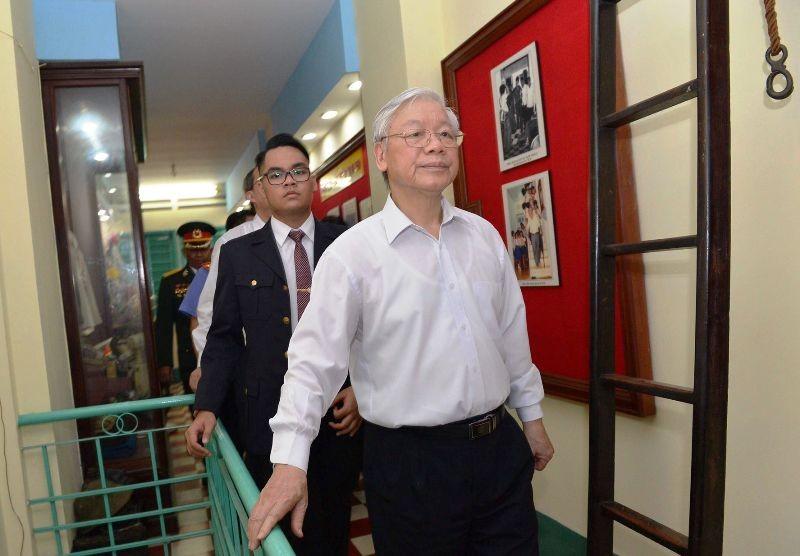 Tổng Bí thư thăm hầm chứa vũ khí của biệt động Sài Gòn - ảnh 2