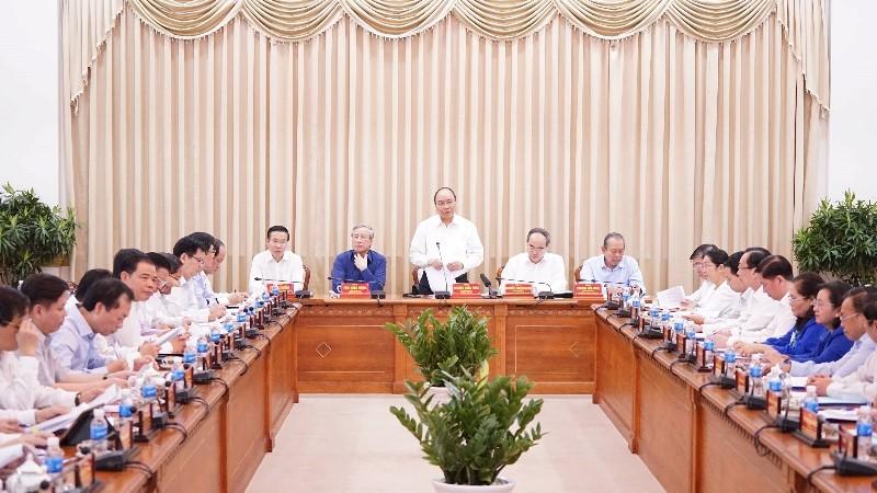 Thủ tướng: 'Cùng bàn, cùng xốc tới đưa TP.HCM phát triển' - ảnh 2