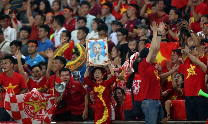 Thắng đậm Lào, Việt Nam khởi đầu mỹ mãn tại AFF Cup 2018 - ảnh 2