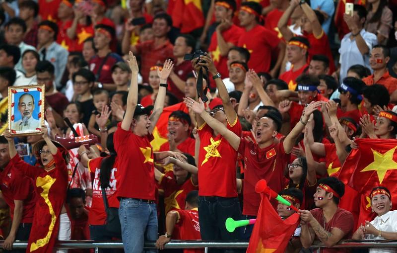 Thắng đậm Lào, Việt Nam khởi đầu mỹ mãn tại AFF Cup 2018 - ảnh 3