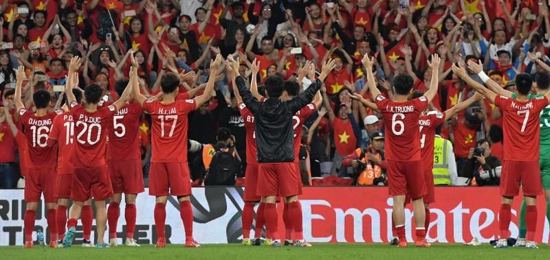 Việt Nam là đội cuối cùng đi tiếp ở Asian Cup.